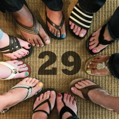 AmWINS-Feet-with-Flip-Flops-29