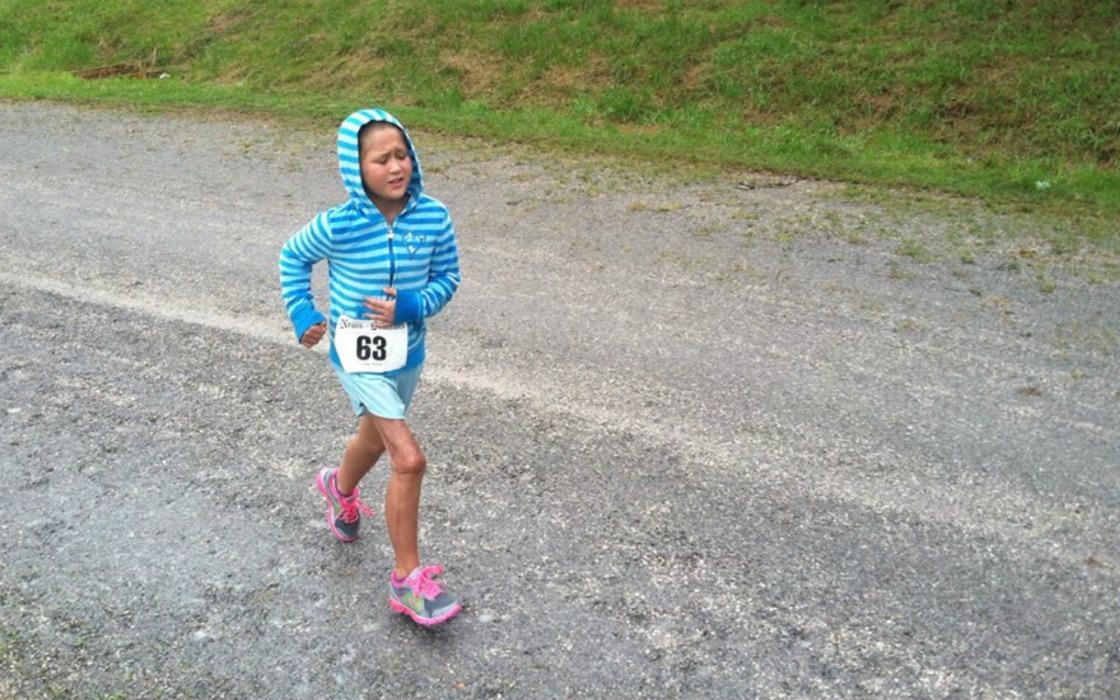 Chloe running
