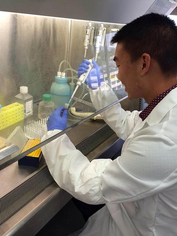 Anthony Hua in the lab