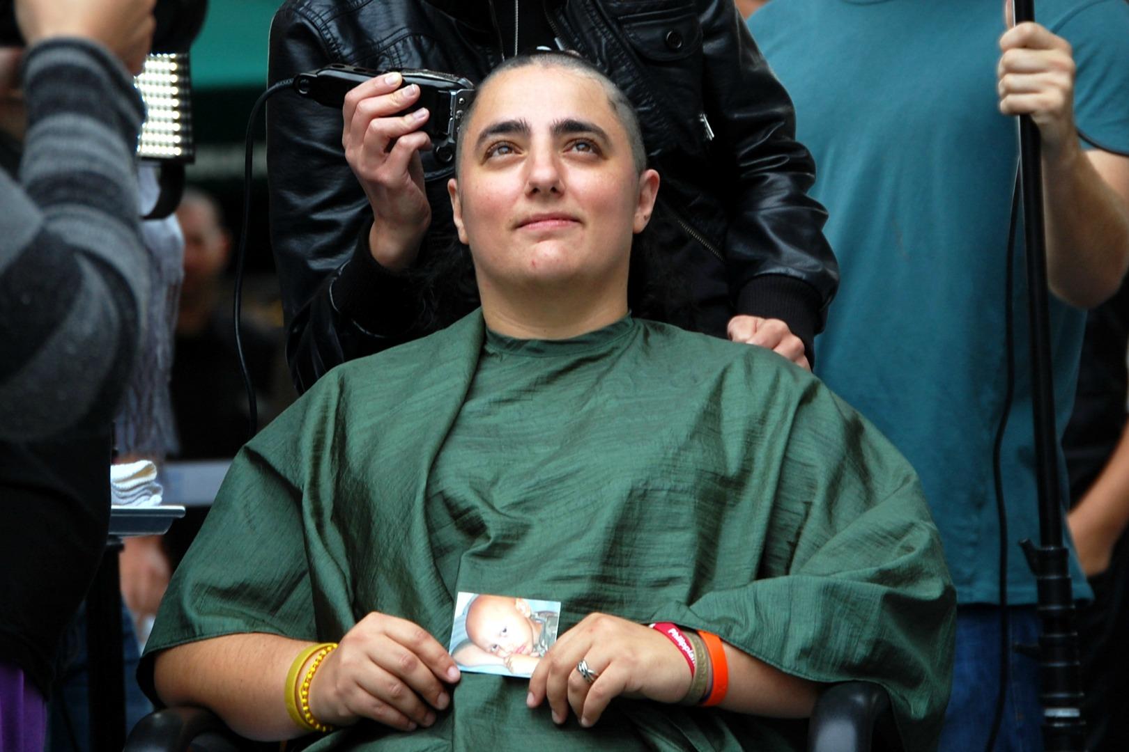 46-Mommas-childhood-cancer-head-shaving-St-Baldricks