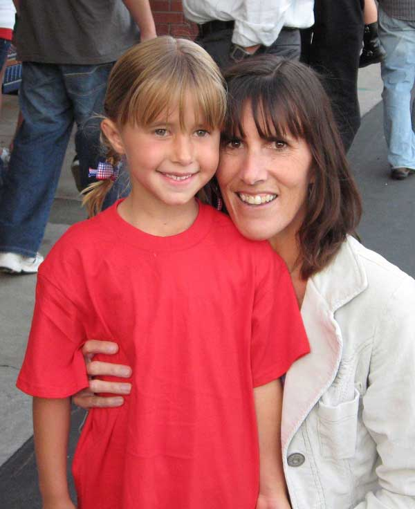 McKenna and her mom, Kristine Wetzel
