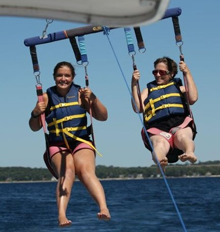 Jessica and her mom parasailing