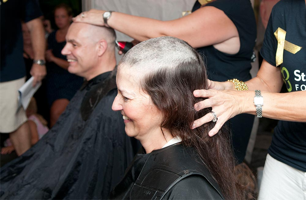 Gaylene and Nigel Meeson shaving heads for cancer