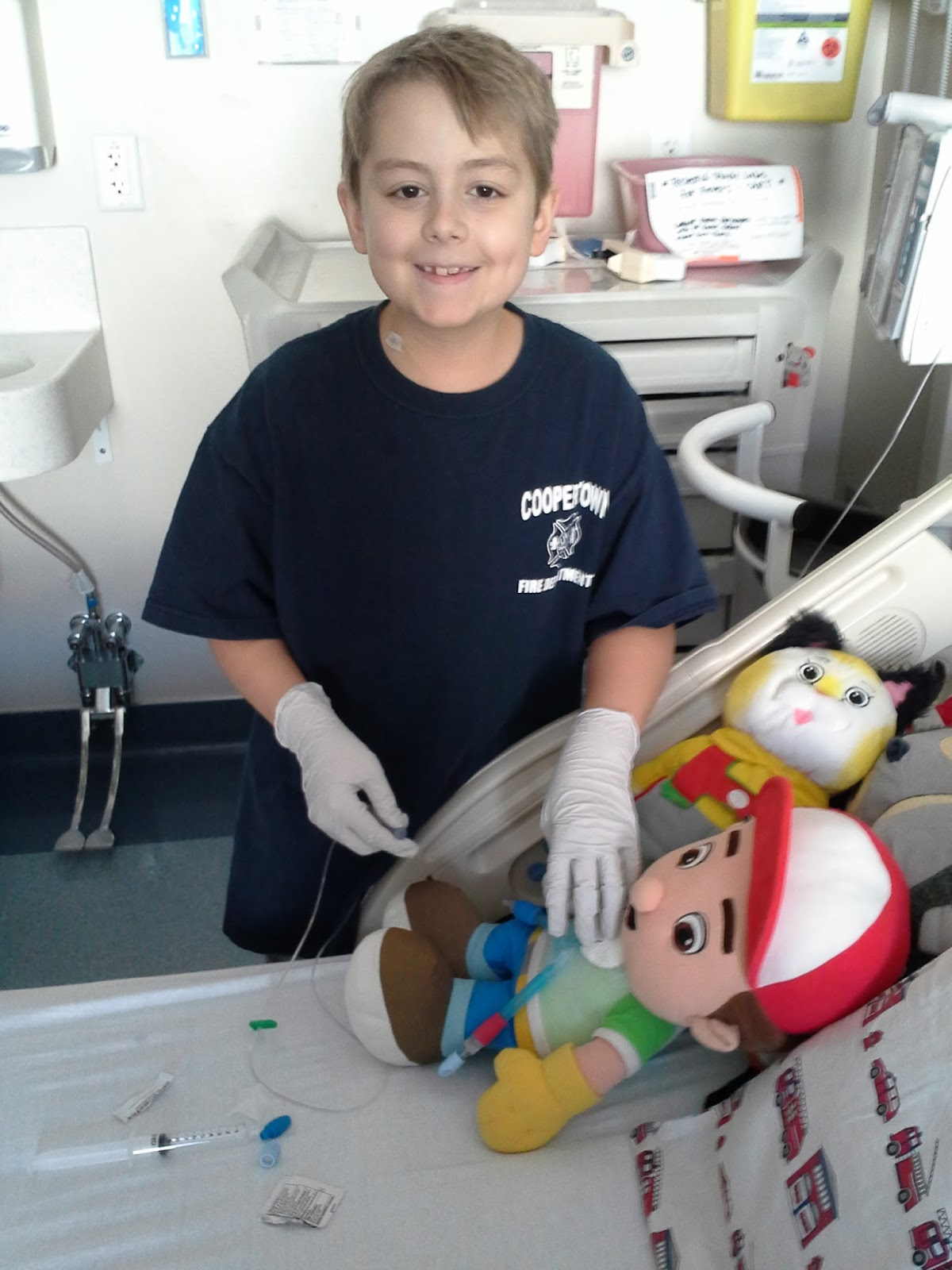 Dr. Ori examines Handy Manny