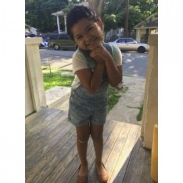 Julianna R. Kid Photo