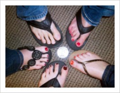AmWins-Casual-to-Conquer-feet-flip-flops
