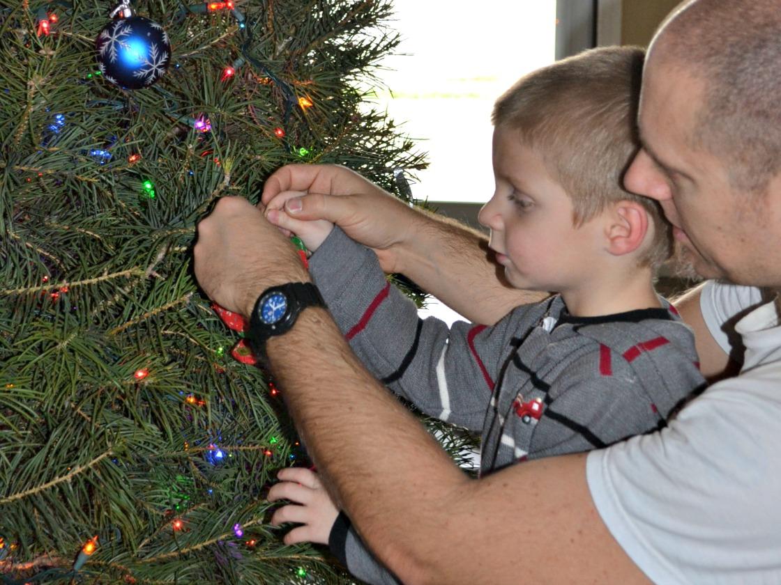 Matthias-dad-Christmas-tree
