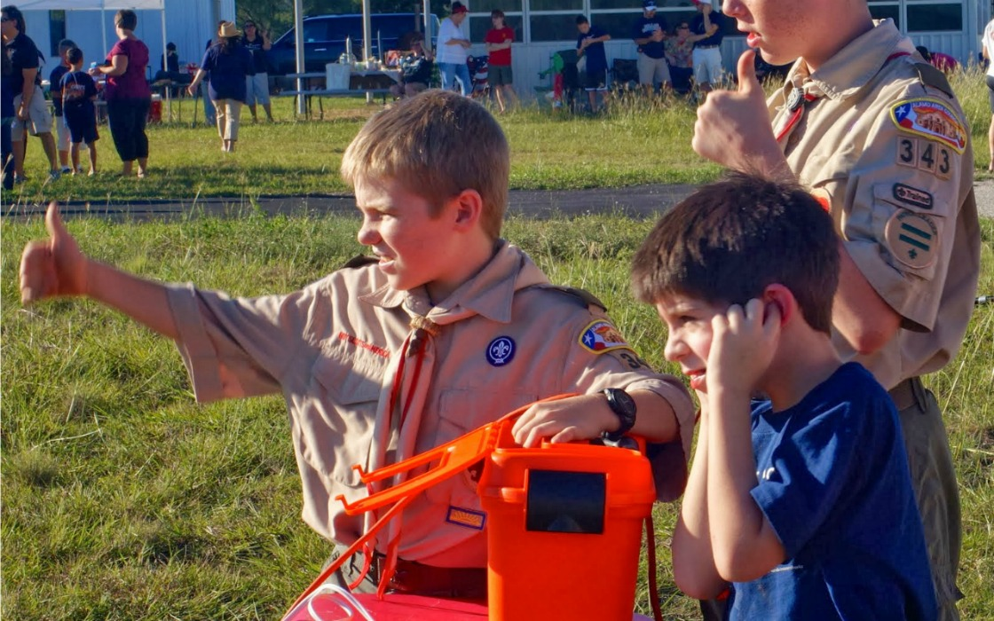 boy-scouts-rocket-launch