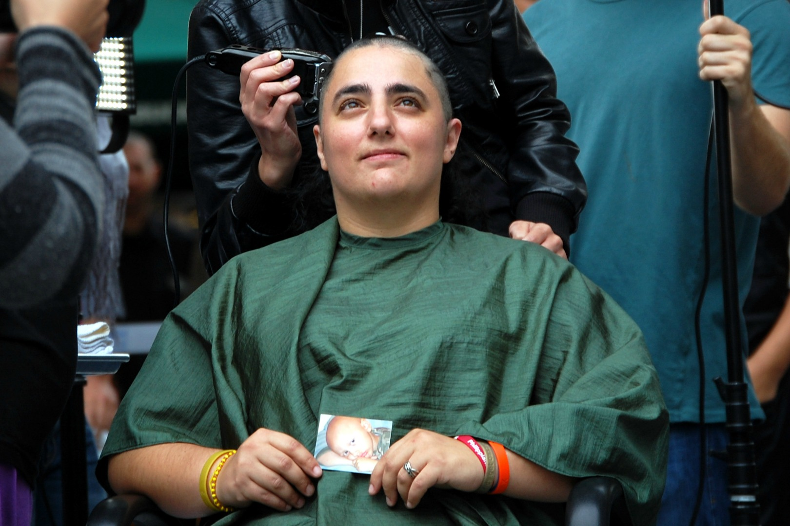46-Mommas-childhood-cancer-head-shaving-St-Baldricks
